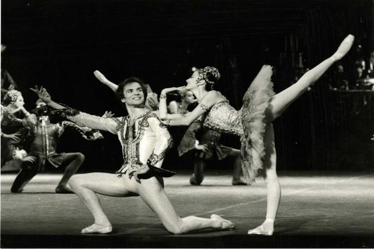 Rudolph Noureev et Noëlla Pontois au Palais Garnier en 1983 (Photo André Chino)