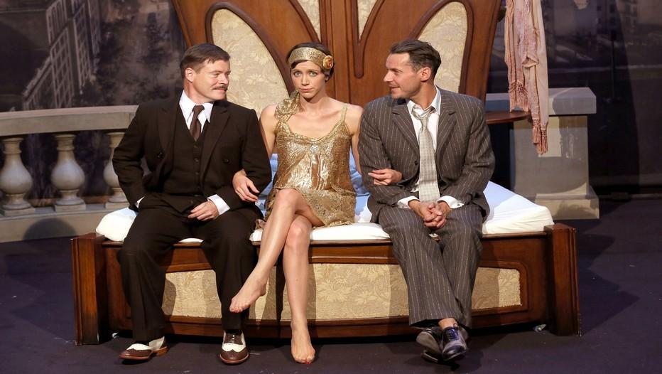 Les trois acteurs principaux Jean-Paul Bordes,Sara Giraudeau et Julien Boisselier de Scott et Zelda au Théâtre de la Bruyère à Paris (Crédit Photo Lot)