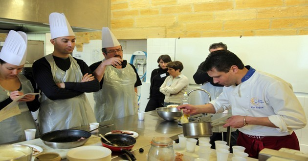 Point d'orgue de la première journée de festivités, le «Toques Show» réunit tous les ingrédients et les techniques pour sublimer la truffe et le foie gras. (Crédit photo CDT Dordogne).