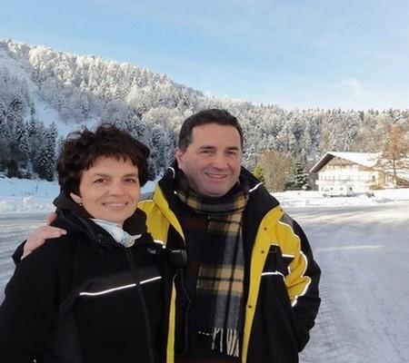 Thibaut et Pascale Leduc  les heureux propriétaires du site l'Ermitage Resort. (Crédit photo DR)