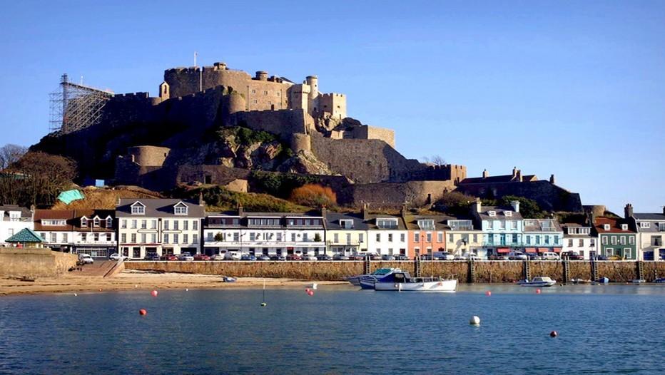 Le patrimoine de Jersey revêt une formidable richesse, ici le château Mont Orgueil qui a protégé l'île des invasions françaises pendant 600 ans. (Jersey Tourism)