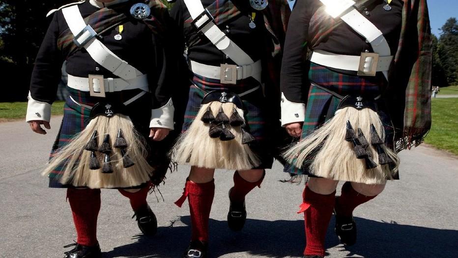 À Hawick, en Ecosse, il es possible de visiter les ateliers de tissage des fameux tartans dont les couleurs et les motifs symbolisent chaque clan (Photos Visit Scotland).
