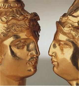 masque funéraire en or 24 carats pesant presque un kilo (Crédit photo DR)