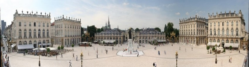 la finale des Championnats de France UNSS de danse avait pour cadre Nancy avec un ultime rendez-vous en apothéose sur sa célèbre Place Stanislas, répertoriée au patrimoine mondial de l'UNESCO. (Crédit photo DR)