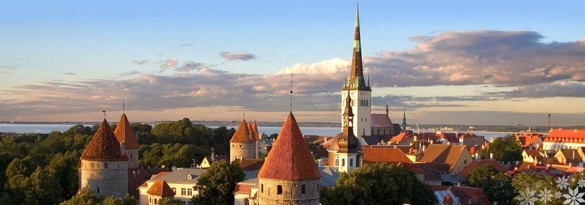 Vue magnifique sur les toits de Tallinn la capitale de l'Estonie située à moins de trois heures de Paris (Crédit photo DR)