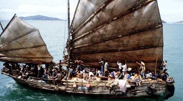 Et aussi, de ces années 1980, revient à l'esprit le mot, désormais entré dans le vocabulaire courant : boat-people. (Crédit Photo DR)