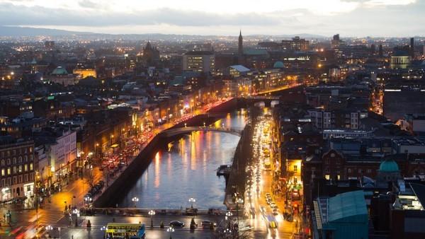 Vue sur Dublin la nuit (Irlande) -( Crédit photo DR)