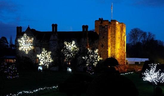 Les jardins du  château de Hever   éblouiront  les visiteurs par leurs magnifiques illuminations. (Crédit photo DR)
