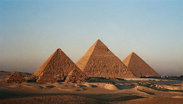 Goûter aux rituels esthétiques de l'Egypte, enveloppements de papyrus au bord du Nil, ou les fameux massages pharaoniques à seulement deux pas de la Pyramide de Khéops, c'est toucher un peu de son âme et de sa philosophie multiséculaire.(Crédit photo DR)