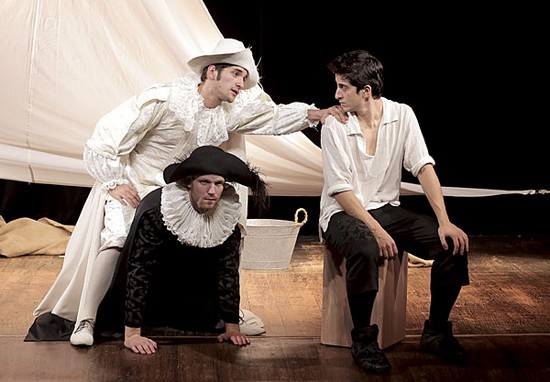 Les Fourberies de Scapin au Théâtre Michel par la Compagnie le Grenier de Babouchka (©2014 Le Grenier de Babouchka )