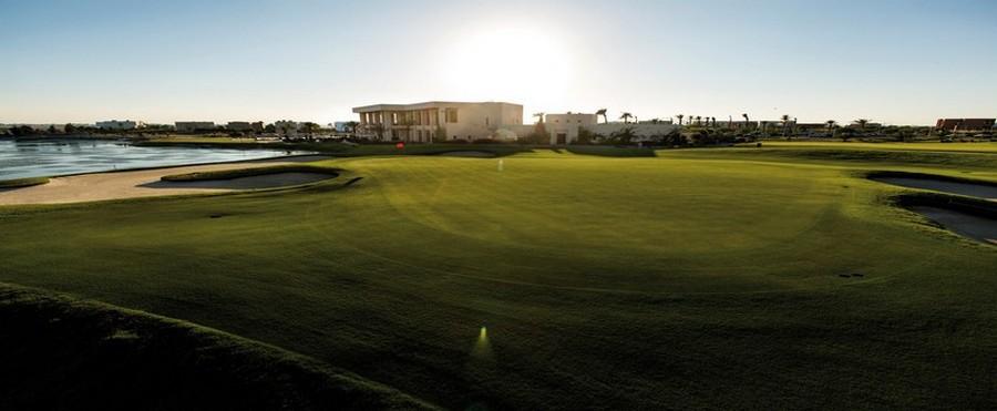 Conçu par Robert Trent Jones II, The Residence Golf course-Tunis est un parcours de 18 trous délicatement adossé à l'hôtel. (Crédit photo DR)