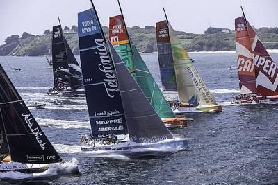 Sponsors et skippers au départ de Lorient, ville étape de la Volvo Ocean Race ( ©  DR)
