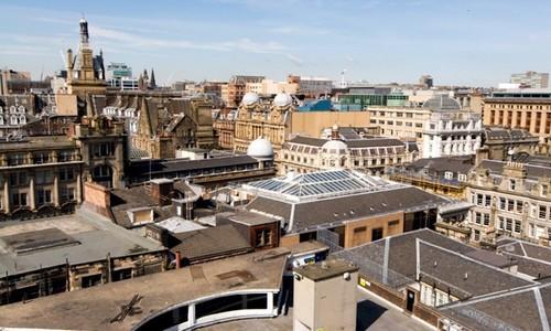 À Glasgow, il est important de découvrir la splendeur des œuvres Art nouveau de Charles Rennie Mackintosh, architecte et designer, et de s'émerveiller devant le riche patrimoine de la ville dans la vingtaine de musées et de galeries d'art pour la plupart gratuits. (Crédit photo www.visitscotland.com/Ecosse)