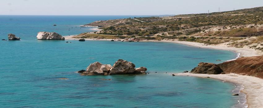 Petra tou Romiou, l'un des plus beaux endroits de la côte de Chypre, fut, selon la mythologie, le lieu où Aphrodite naquit de l'écume des flots © Patrick Cros