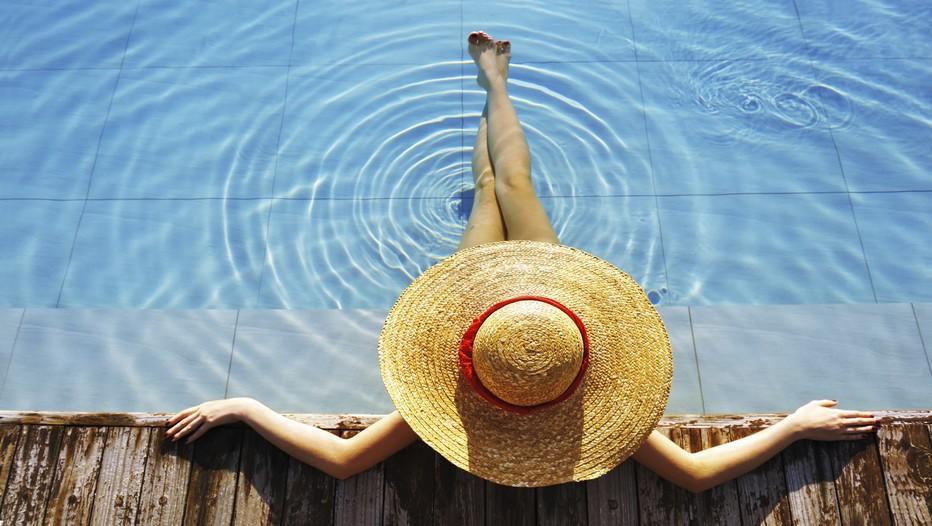 Les 10 commandements pour une peau rayonnante et hâlée !  © DR