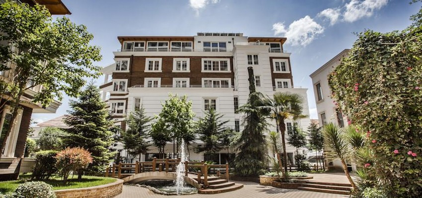 Ouvert il y a un peu plus d'un an, le Prestige Hôtel est implanté dans un quartier en pleine mutation à l'Est de Tirana.  © DR.