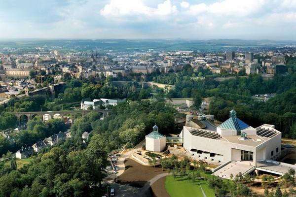 Avec sa multitude de musées, sa fabuleuse architecture, ses châteaux et fortifications, le Luxembourg concentre une incroyable palette de sites culturels. (© visitluxembourg.com).