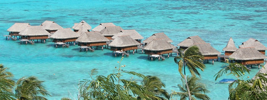 Situé entre Sassandra et San Pedro, Monogaga est un site balnéaire avec une plage couverte de cocotiers et de sable fin. Un hôtel ou loger dans des bungalows sur pilotis.  © OT Côte d'Ivoire