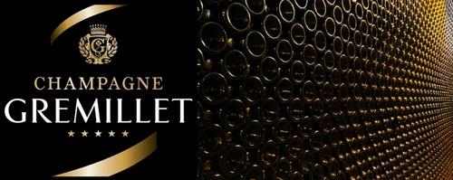 """Dans les caves Gremillet une belle photo : les milliers de bouteilles en """"vieillissement"""".  © DR"""