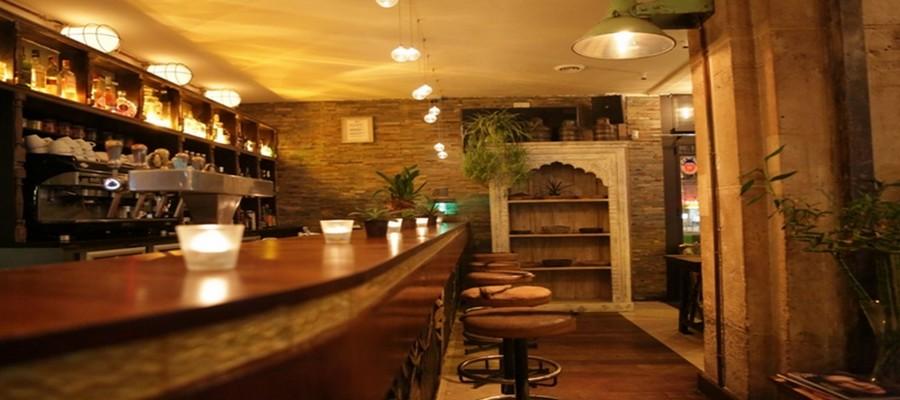 """Le  côté bar du restaurant """"Le Spicy Home """" situé boulevard Sébastopol à Paris. ©LESPICYHOMEPARIS-"""