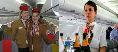 Le charme et la qualité de l'accueil des hôtesses de la Compagnie Aérienne Volotea. © Loïck Ducrey et Richard Bayon