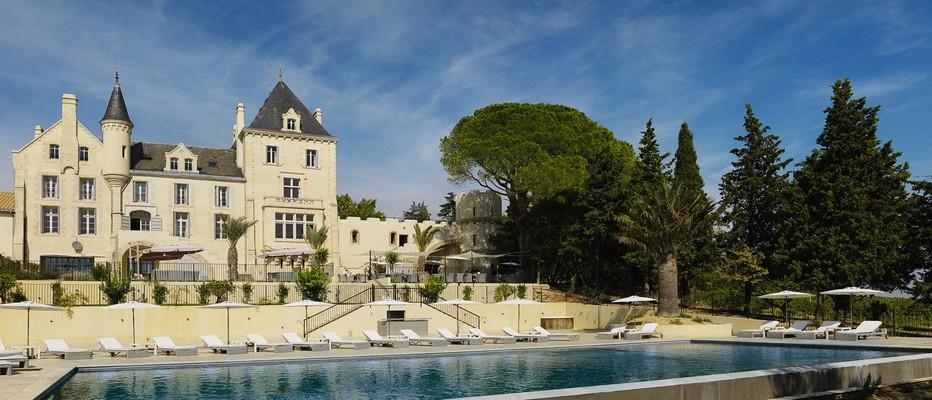 Le Château Les Carrasses situé à proximité des villages de Quarante et Capestang, au bord du canal du Midi, et à une vingtaine de kilomètres de Béziers;  © David Raynal
