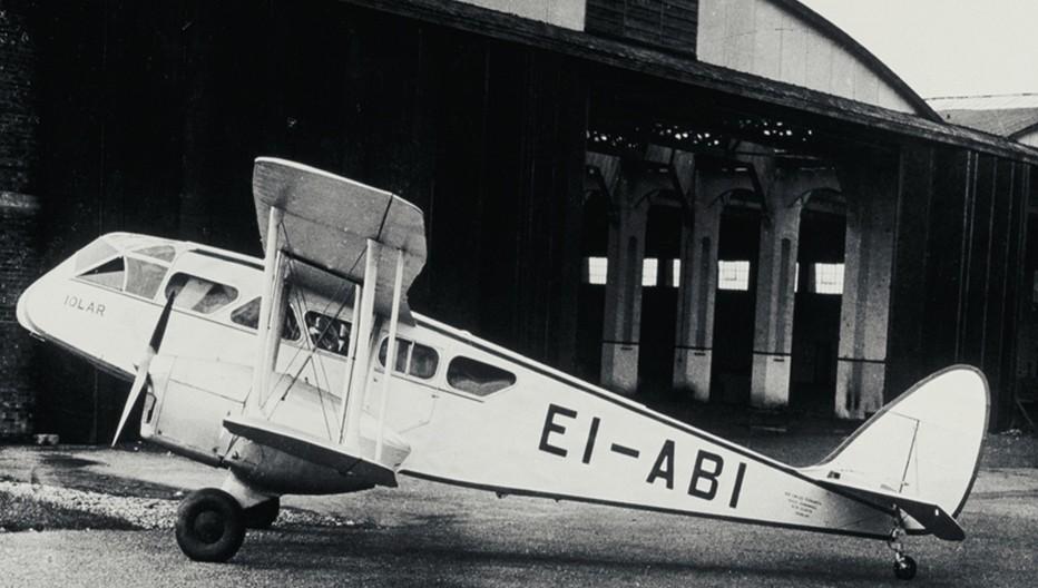 Aer Lingus : l'Iolar,  l'appareil six places De Havilland 84 Dragon qui opéra le premier vol vers Bristol, avec seulement cinq passagers à son bord. © Archives Aer Lingus