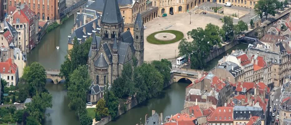 Metz, ville royale et impérale. Depuis l'Antiquité, Metz peut s'enorgueillir de posséder un patrimoine architectural et culturel exceptionnel; © Icade-Immo