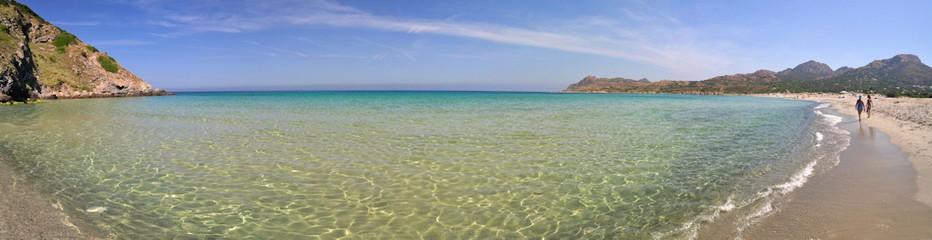 La plage de l'Ostriconi se situe à environ 15 km de L'Ile-Rousse en direction de Bastia. Elle est une des plus belles plages de Corse, aux portes du célèbre désert des Agriate, connu pour son littoral paradisiaque. © photos-paysages-corse.com/Jérôme Rattat