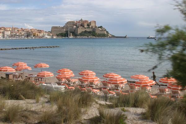 Balagne …. Ce petit coin de Corse abrite des plages de sable doré, des criques secrètes et des baies quasi virginales.  © Richard Bayon.