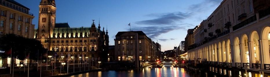 Deuxième plus grande ville d'Allemagne après Berlin, Hambourg, est immanquablement associée à son fleuve, l'Elbe. © Marine Desmon