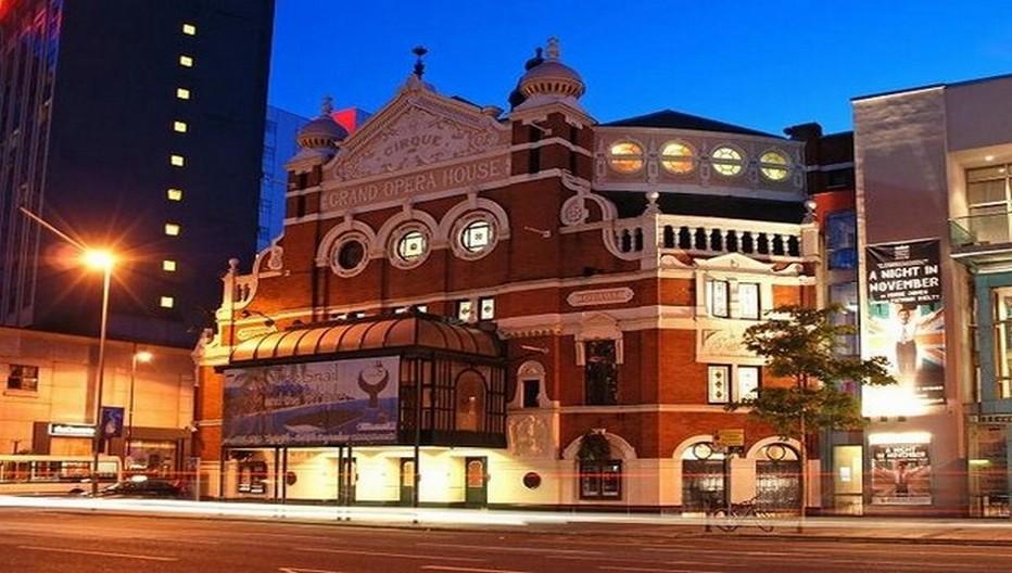 Le Grand Opera House, avec son architecture unique orientaliste, accueille comédies musicales, opéras, et bien d'autres événements  © ireland.com