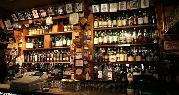 Quant à l'historique Duke of York, pour l'anecdote, il fut construit par les bâtisseurs du Titanic en échange de caisses de whiskey !  © ireland.com