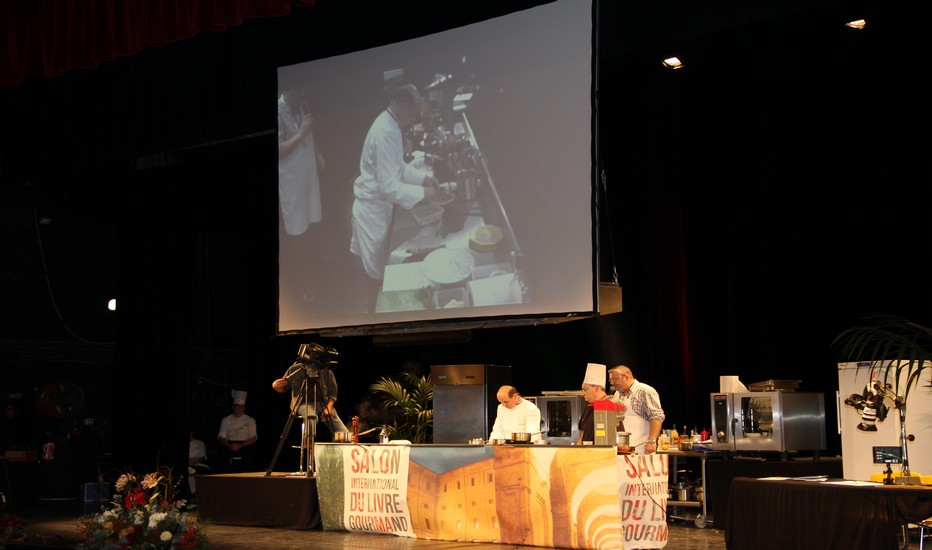 Démonstration gastronomique par les grands chefs présents  lors de la 14ème édition du  SILG. Un salon devenu également  un haut lieu de la littérature gourmande. © SILG