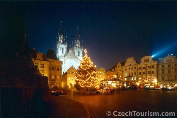 Un plaisir que de parcourir les mythiques marchés de Noël de Prague.© Czechtourism.com