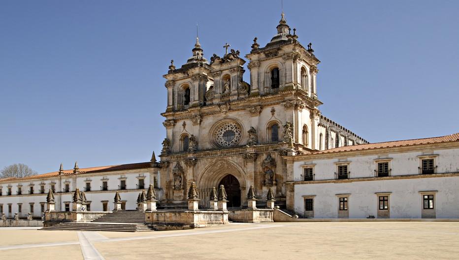 Alcobaça, fleuron de l'art cistercien et mémoire d'Inès de Castro.   © O.T. Portugal