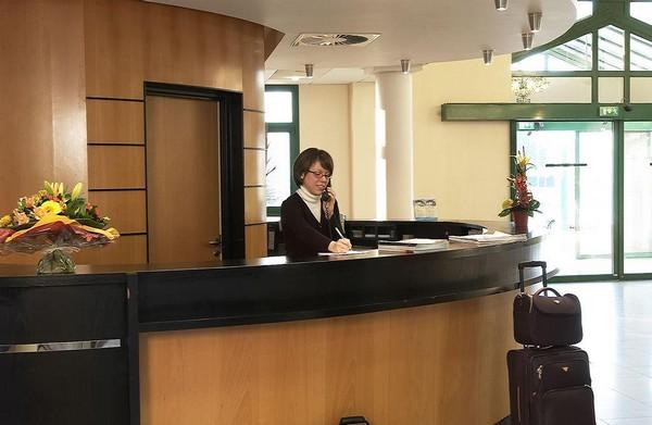 l'hôtel Océania  a su tisser une relation de confiance avec tous ses hôtes, qu'ils soient en décalage horaire, ou pressés, quant à leur heure d'arrivée et de départ.© Richard Bayon.