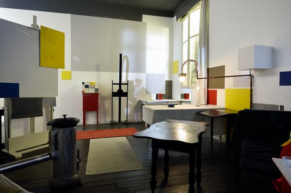 Reproduction de l'atelier de Mondrian à Paris  in Mondriaanhuis -  © Mike Bink