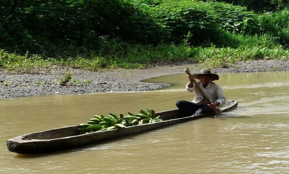 Rencontre sur le rio Chagres © C.Gary
