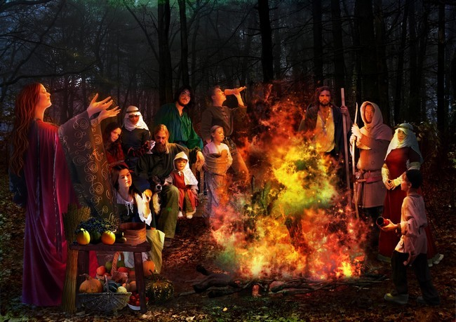 Lors de la fête d'Halloween en Galicie, la foule déclame une formule magique en galicien, le esconxuro, évoquant les sorcières de Samaín autour de leurs chaudrons.Copyright Lindigomag/Pixabay