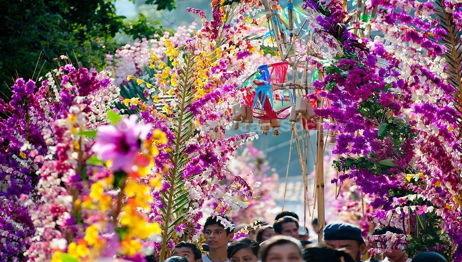La semaine sainte à Pâques est l'occasion de festivités dans tout le pays. Crédit photo office de tourisme du Salvador.
