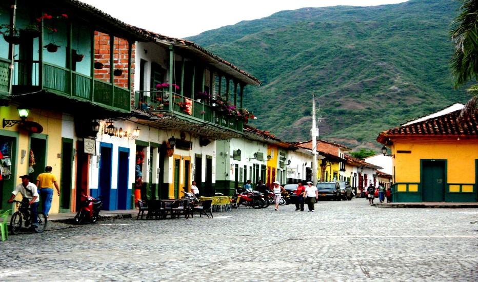 """Colombie - Beauté inchangée et sérénité retrouvée des """"villages de patrimoine"""" autour de Medellin. Copyright Lindigomag/Pixabay"""