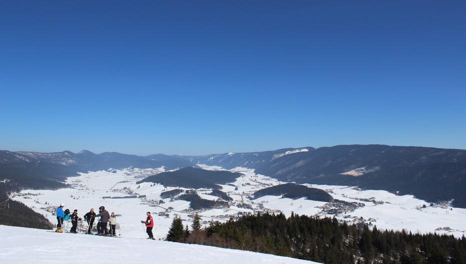Ski  à travers la forêt environnant les pistes de ski d'Autrans. Copyright: Station Autrans-Méaudre