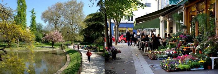 Du parc des Batignolles jusqu'au centre du quartier règne une vraie ambiance de village en plein cœur de Paris. Copyright DR