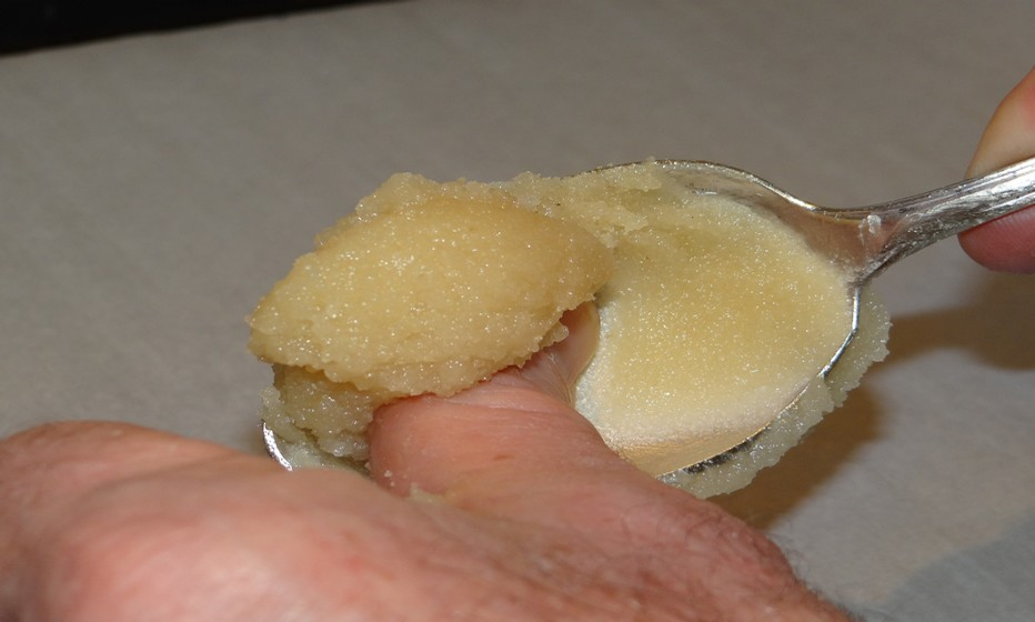 Ces petites gourmandises mosellanes ont une forme ronde grâce à une pose à la cuillère. ©Bertrand Munier