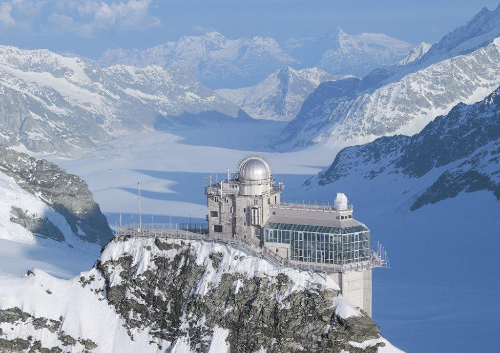 L'observatoire du Sphinx et le glacier d'Aletsch. @ DR