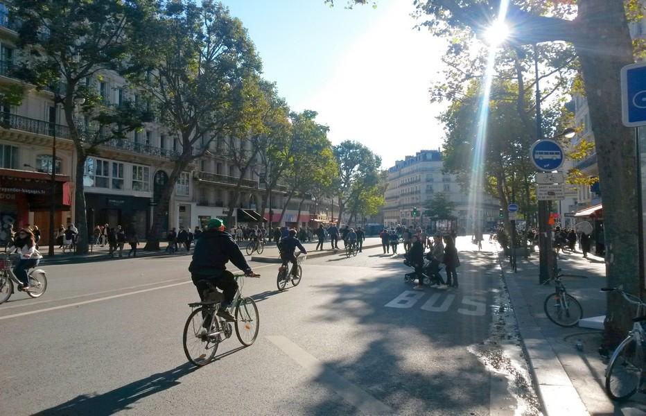Journée sans voiture à Paris. @Lindigomag/Wikipedia