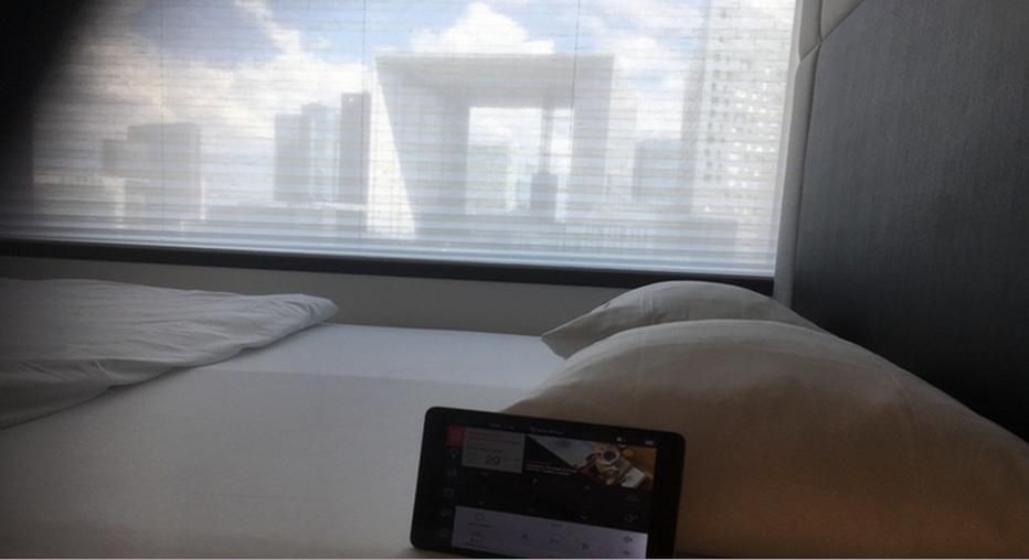Vue des chambres sur la Grande Arche de la Défense. @ RB
