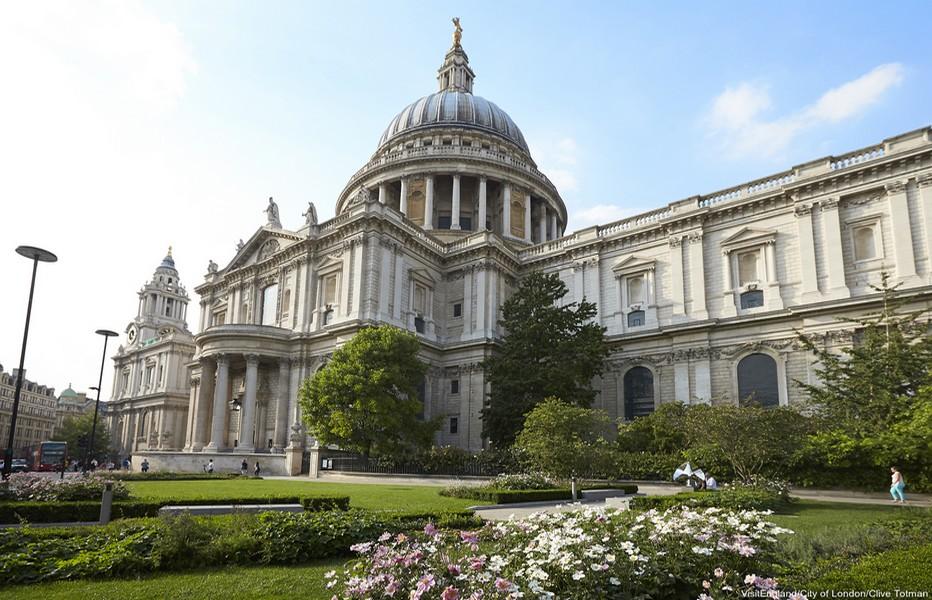 La cathédrale Saint Paul  © O.T. England