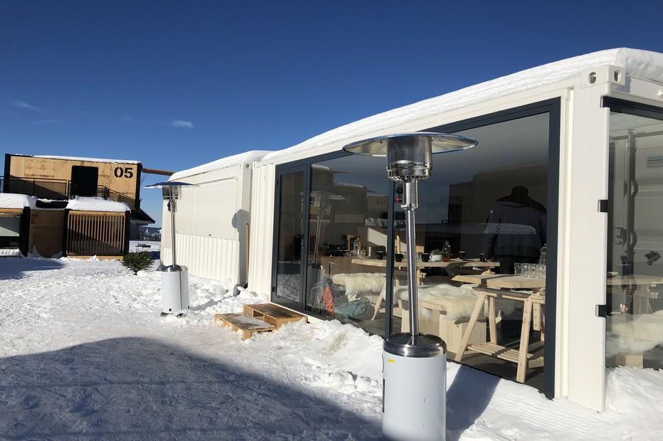 Le container salle commune,salon et salle à manger vu de l'extérieur. @ X.Bonnet